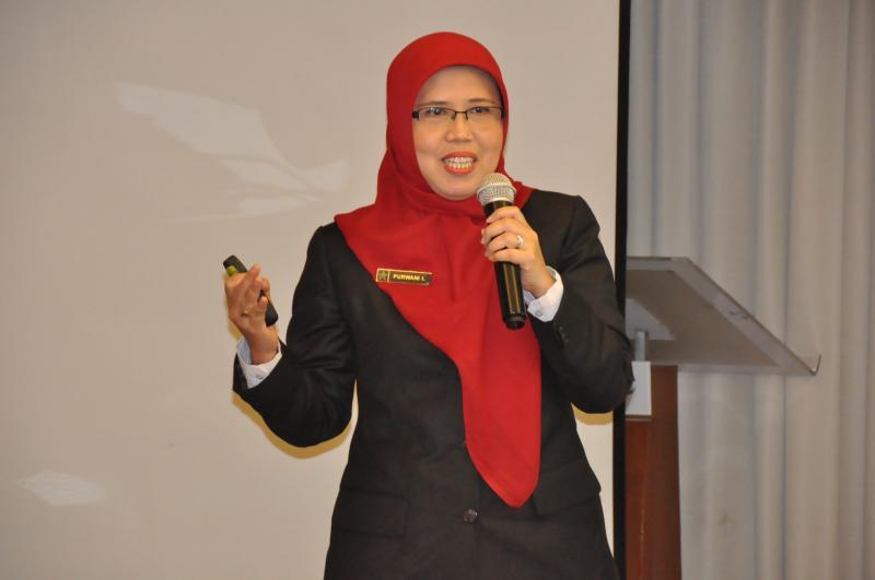 Peringkat I Pemilihan Pustakawan Berprestasi Terbaik Tingkat Nasional Tahun 2017 ( Purwani Istiana, SIP., M.A.)