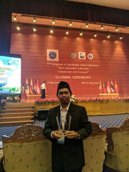 Profil Singkat Ahmad Syawqi, Peraih Medali Perak CONSAL Outstanding Librarian Award Tahun 2018
